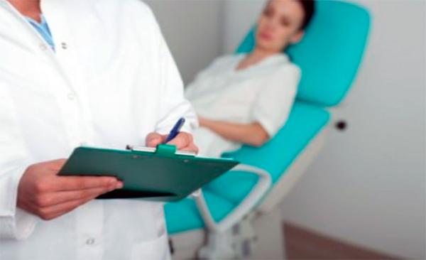 через какое время после родов можно лечит эрозию шейки матки